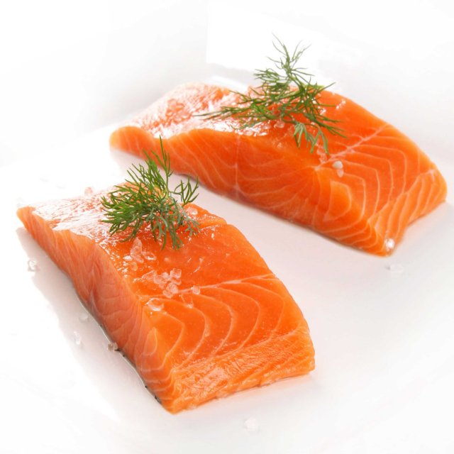 Salmon portions skin on 100-170 gr IQF 10 % ( 5 kg ) Denmark